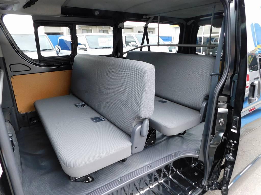さらに後ろは6人乗車可能!人や荷物を運ぶ時に大変便利な仕様です! | トヨタ ハイエースバン 2.0 DX ロング GLパッケージ 希少9人乗り
