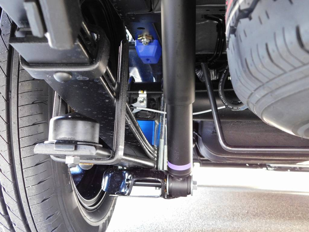 ローダウンは2インチを採用!バンプ類ももちろん交換済みですよっ!!! | トヨタ ハイエースバン 2.8 スーパーGL ダークプライムⅡ ロングボディ ディーゼルターボ ライトカスタムパッケージ