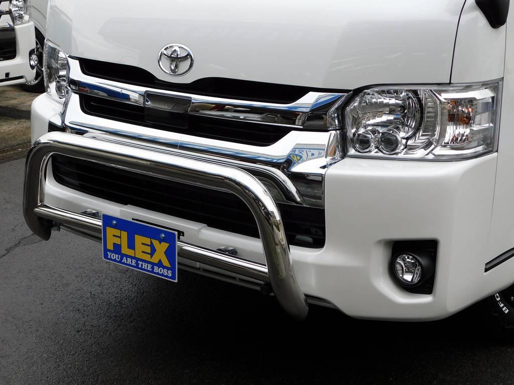 迫力のバンパーガードが存在感を示します!ワイルド感が出てますねっ!!! | トヨタ ハイエース 2.7 GL ロング ミドルルーフ 4WD アドベンチャーカスタム