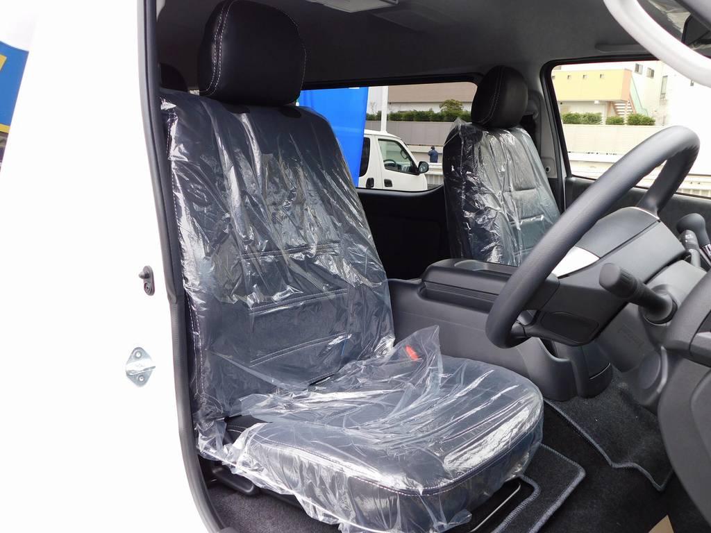 ハイエースカスタムには欠かせないシートカバーは全席装着済み♪高級感が出てますねっ♪ | トヨタ ハイエース 2.7 GL ロング ミドルルーフ 4WD アドベンチャーカスタム
