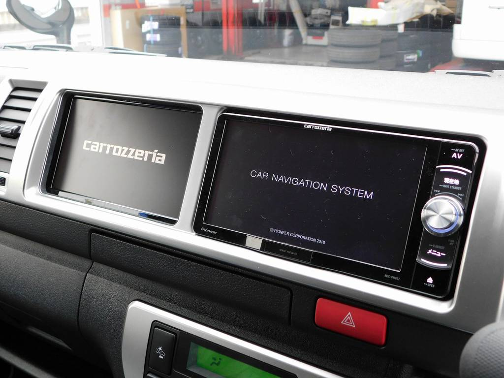 装着されているナビは人気のパイオニア製!サブモニターも搭載致しましたのでナビとテレビが両方映ります♪助手席の方にも人気の仕様ですよっ♪ | トヨタ ハイエース 2.7 GL ロング ミドルルーフ 4WD アドベンチャーカスタム