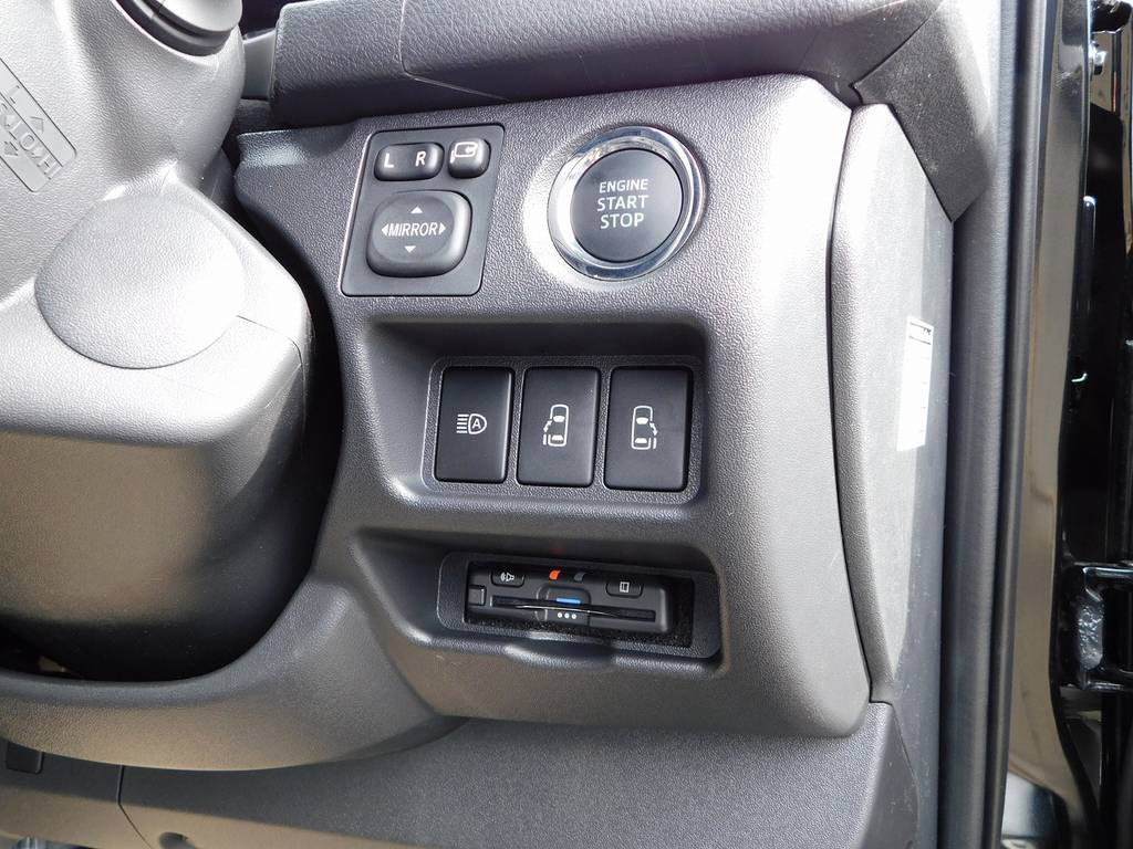 ETCももちろん装着済み!純正のように美しくインストール♪隙間の処理も抜かり無しです!余談ですが音声案内の声はタッチの浅倉みなみちゃんの声優さんです♪ | トヨタ ハイエースバン 2.0 スーパーGL 50TH アニバーサリー リミテッド ロングボディ ベッドキットパッケージ車