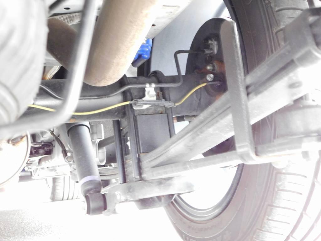 ブロックキットはもちろん玄武製!3インチローダウンでキマッてます♪ | トヨタ ハイエースバン 3.0 スーパーGL  ダークプライム ロングボディ ディーゼルターボ ESSEXフルエアロ仕様