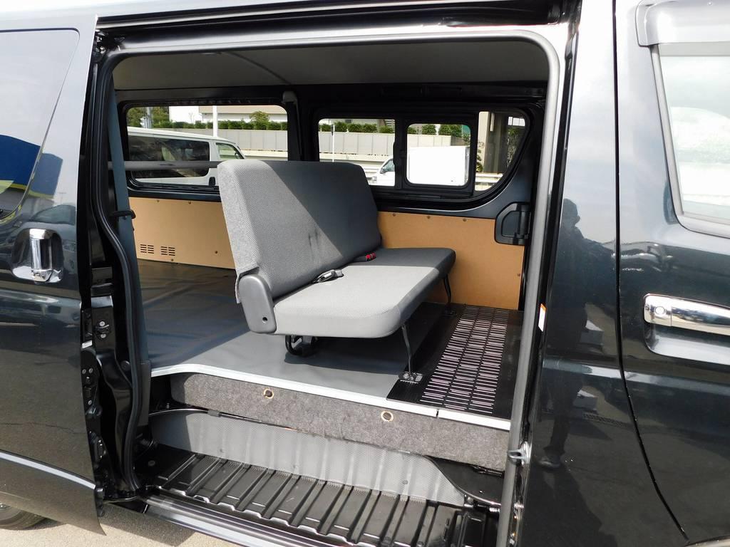 セカンドシートもグッドコンディション!!! | トヨタ ハイエースバン 3.0 DX ロング ジャストロー GLパッケージ ディーゼルターボ ナビパッケージ車