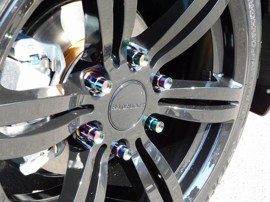 ホイールナットもこだわりの415コブラ鍛造ナットを装着!バッドラッカーⅠとの相性も抜群ですねっ♪ | トヨタ ハイエースバン 2.0 スーパーGL ダークプライムⅡ ロングボディ ナビパッケージ車