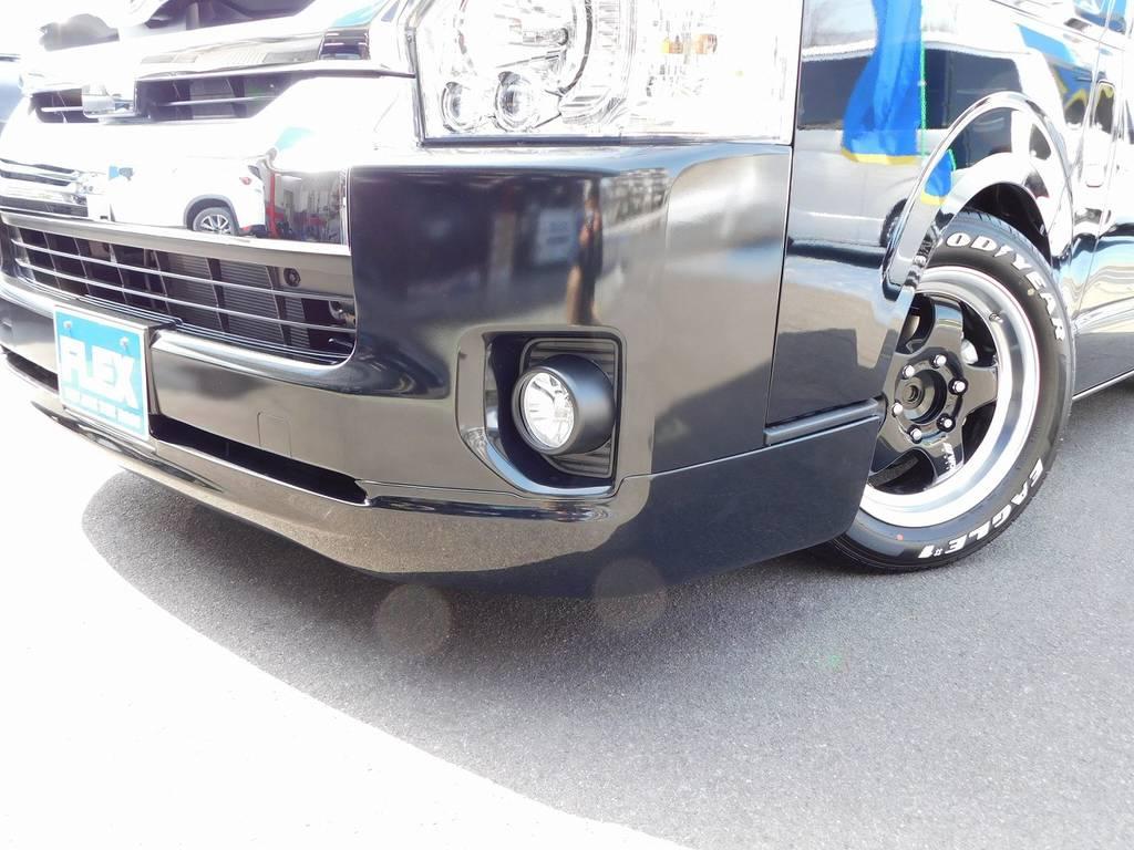 フロントリップは415コブラ製クリーンルックⅢを装着!ゴテゴテしてい無くスタイリッシュでカッコいいです♪ | トヨタ ハイエース 2.7 GL ロング ミドルルーフ トリプルモニターカスタム車