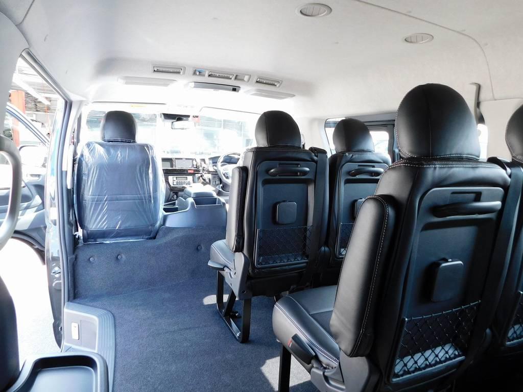細かい所ですがドリンクホルダーも各席に付いてますよっ♪これが便利なんですよっ♪ | トヨタ ハイエース 2.7 GL ロング ミドルルーフ トリプルモニターカスタム車