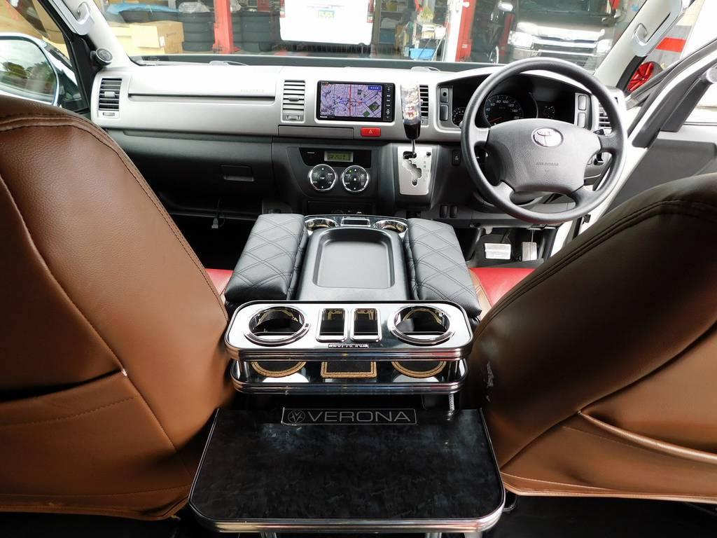 座面も高く見晴らしもグッドです!ロングドライブも楽チンです♪キャブオーバー車ですので取り回しもしやすいんです!   トヨタ ハイエースバン 2.0 スーパーGL ロング 415コブラフルコンプリート車