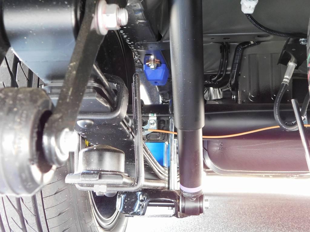 装着されるブロックキットは2インチ!もちろん前後バンプストッパーも交換済みです!!! | トヨタ ハイエースバン 2.7 スーパーGL 50TH アニバーサリー リミテッド ワイド ミドルルーフ ロングボディ ライトカスタム仕様