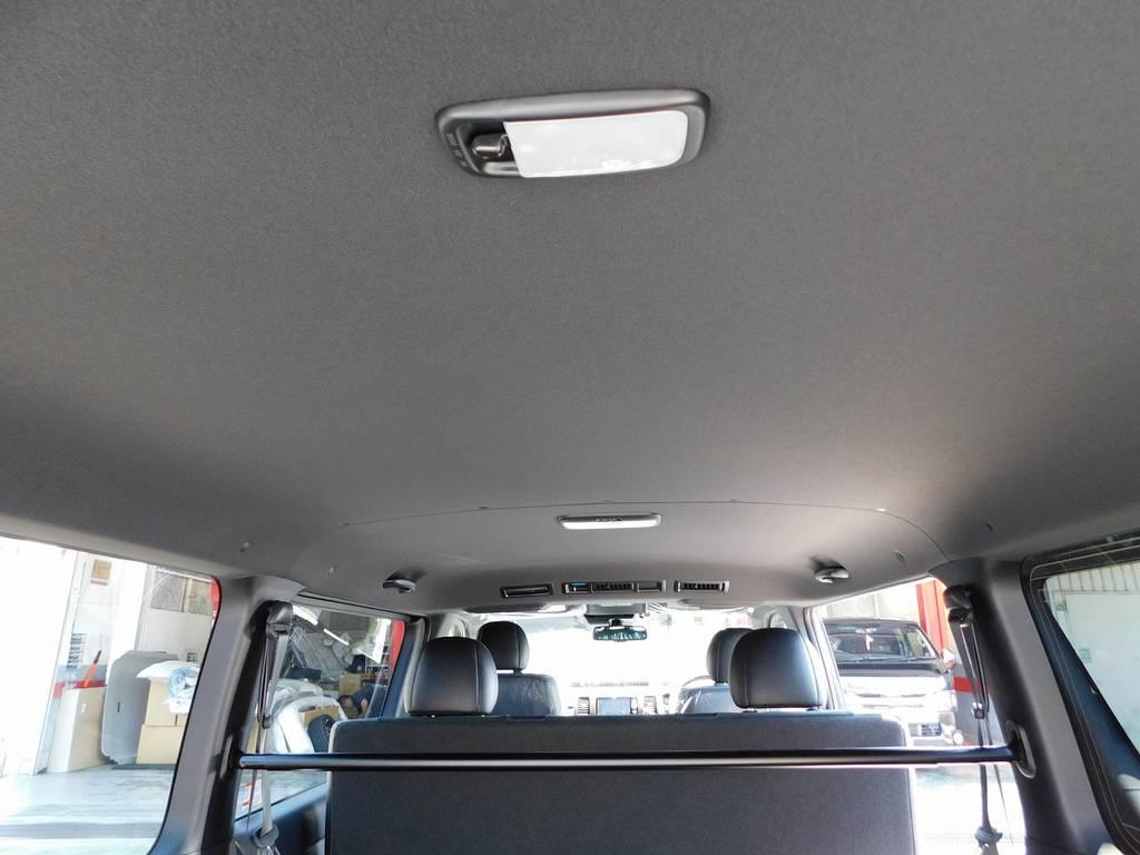 特別仕様車専用のブラック内装!シックでお洒落な室内ですねっ♪ | トヨタ ハイエースバン 2.8 スーパーGL ダークプライムⅡ ロングボディ ディーゼルターボ ブラックカスタムパッケージ