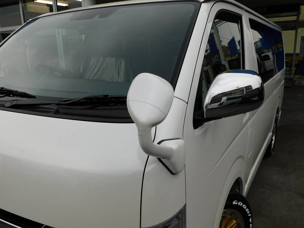 通称ガッツミラーは同色塗装済み!同色にすることで一体感が違いますねっ!細かい所ですがこだわりです!!! | トヨタ ハイエースバン 2.0 スーパーGL 50TH アニバーサリー リミテッド ロングボディ 純白のライトカスタム仕様