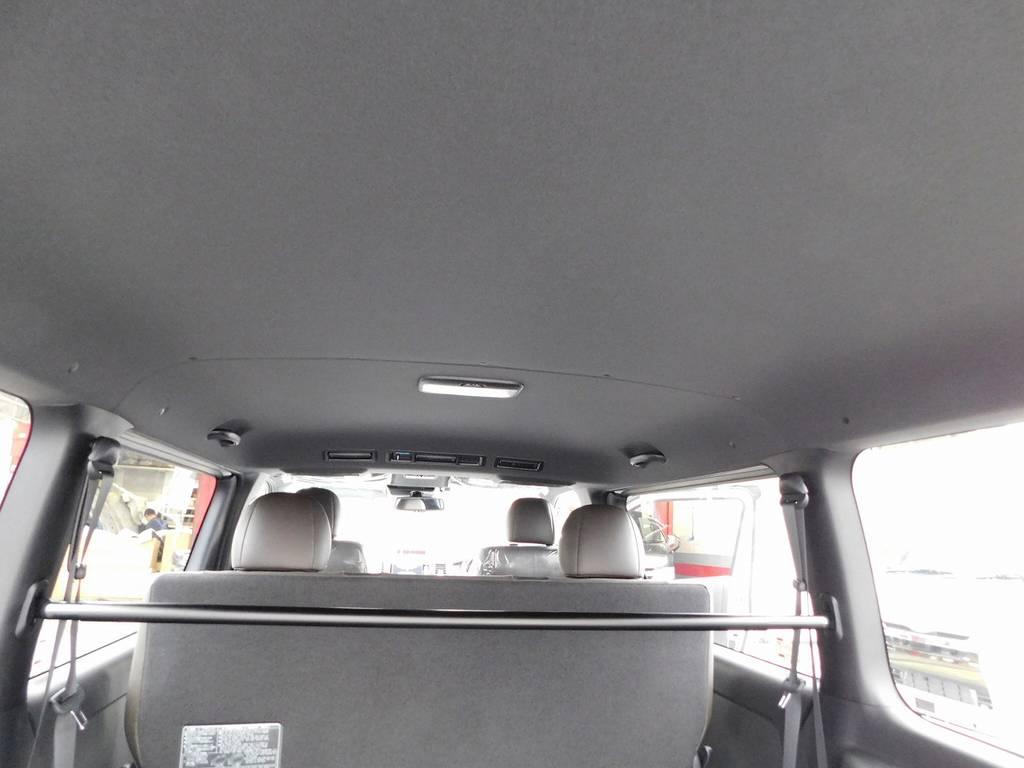 ブラックで統一された室内はシックでお洒落です♪この内装が限定車の証!!! | トヨタ ハイエースバン 2.0 スーパーGL 50TH アニバーサリー リミテッド ロングボディ 純白のライトカスタム仕様
