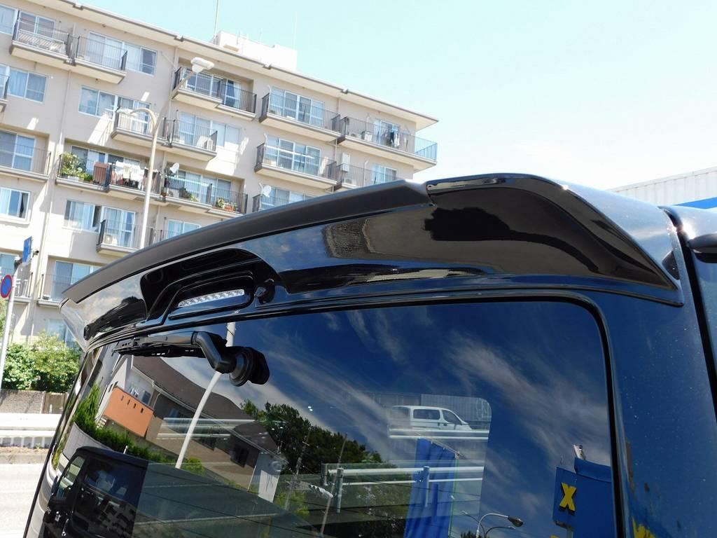 リアスポはGR8製を装着!マットグレーとブラックの塗分け塗装済みですよっ!!! | トヨタ ハイエースバン 2.0 スーパーGL ダークプライムⅡ ロングボディ ブラックナビパッケージ