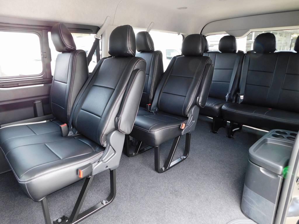 10人乗れるミニバンはなかなかないですよっ♪ご家族でのお出掛けが楽しくなりますねっ♪ | トヨタ ハイエース 2.7 GL ロング ミドルルーフ トリプルモニターパッケージ車