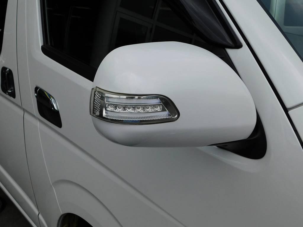 LEDドアミラーウィンカーはクリアレンズのマーカー色ホワイトです!夜には美しく光ります!!!