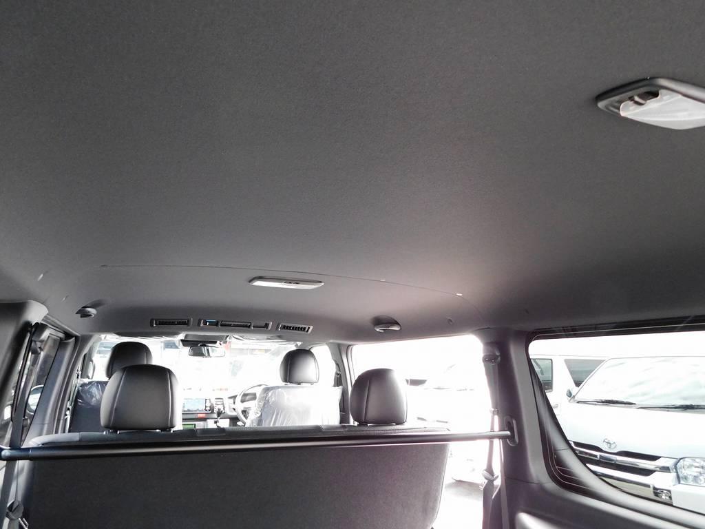 特別仕様車専用のブラック内装♪シックで落ち着きがあり高級感もありますねっ!!!