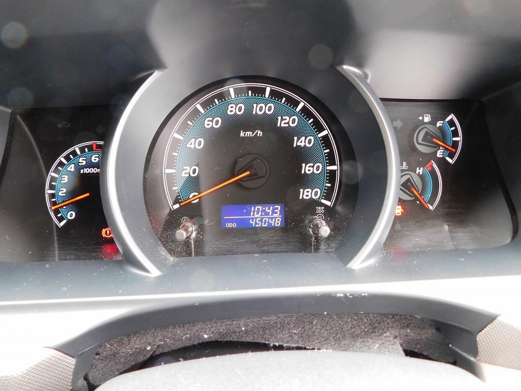 低走行車ですのでまだまだこれからの4万キロ台!3型でこの距離の車は少なくなってきましたよっ!!!