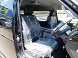 ハイエースカスタムには欠かせない黒革調シートカバーは全席に装着済み♪高級感がありますねっ!!!