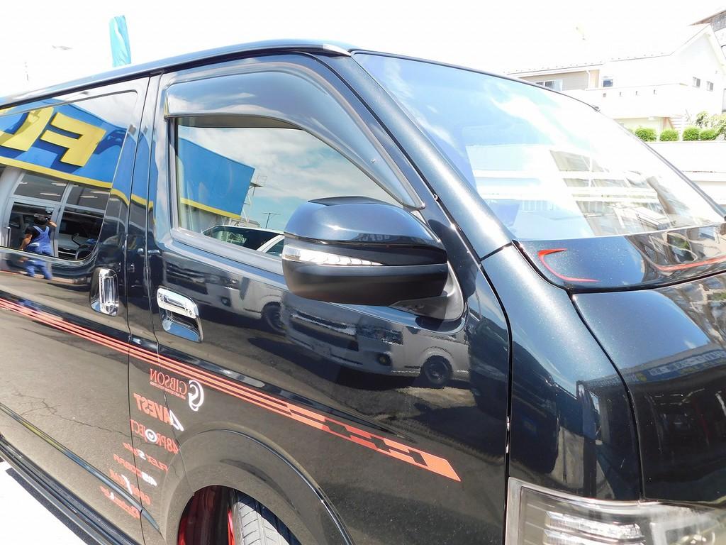 ドアミラーウィンカーはアベスト製シーケンシャル!しかもハイエース用では無くアルファード用を装着!