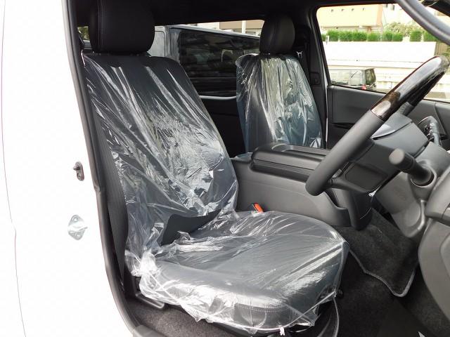 高級感溢れるハーフレザーのシート!ダークプライムⅡ専用装備で特別感もありますねっ!!!