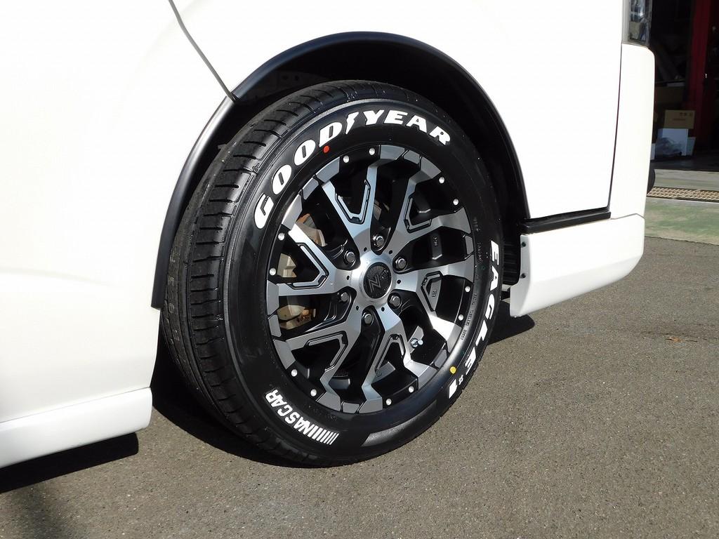アルミホイールは新品ナイトロパワーデリンジャー17インチを装着!もちろんタイヤも新品装着ですので当分タイヤ交換の必要無し!!!