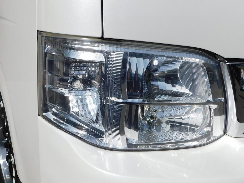 ウィンカーとポジションはLEDに換装されており明るいですよっ♪