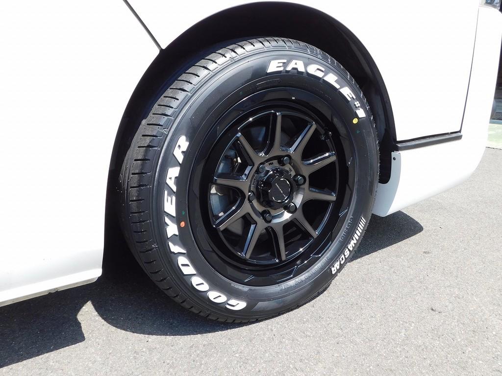 足元には新品のMUDVANCE17インチアルミを装着!もちろんタイヤも新品ですので溝の心配は必要無しですよっ♪