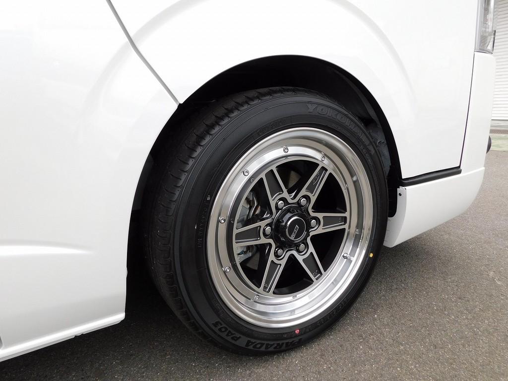 クラシカルなデザインがカッコいいSSR18インチアルミホイール!タイヤはヨコハマパラダLTタイヤですので車検もちろんOKです!!!