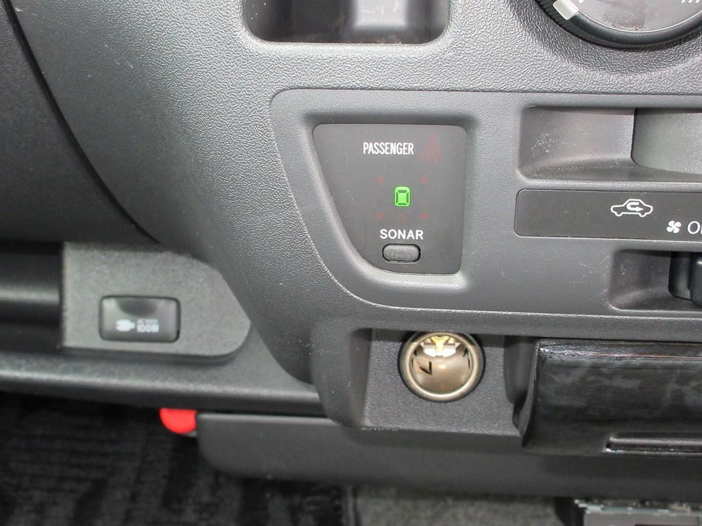 意外に便利なコーナーセンサー♪駐車時には重宝しますよっ♪