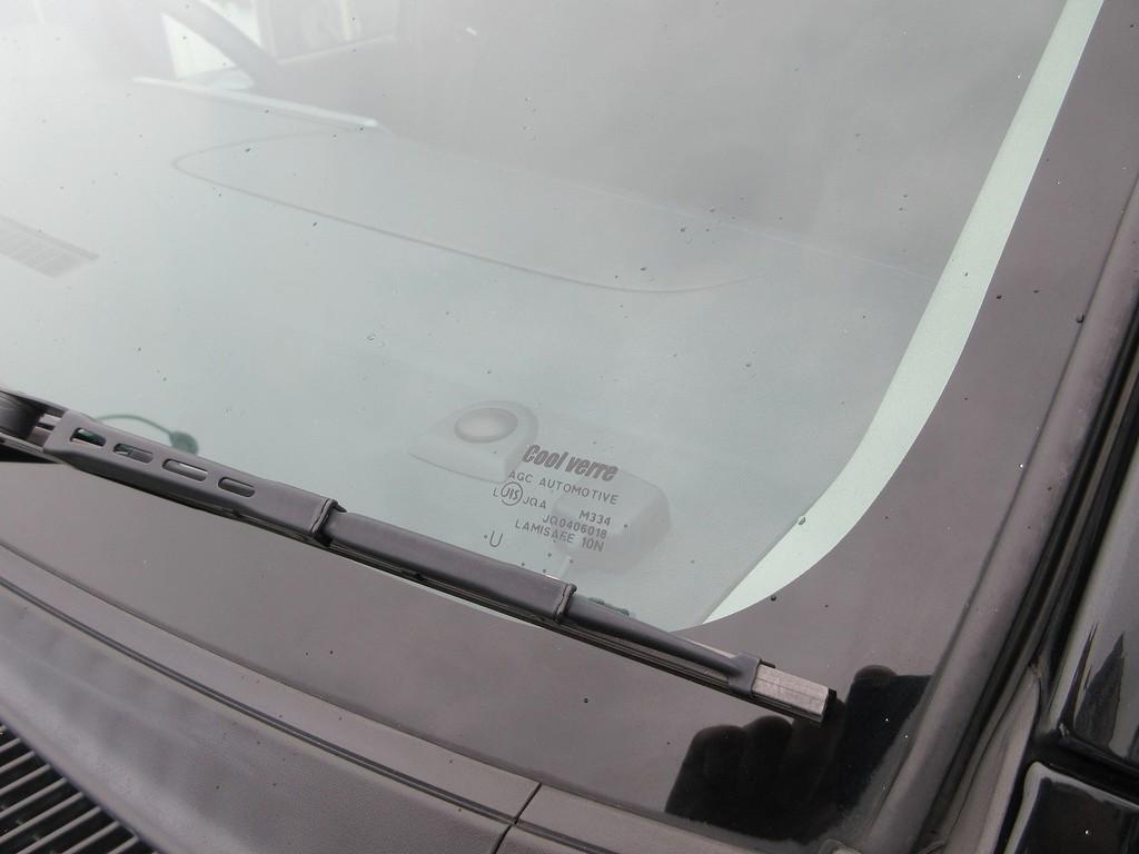フロントガラスはクールベールに換装済み♪ライトグリーンのカラーはもちろん車検対応ですよっ!!!