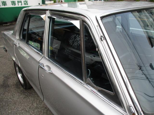 | 日産 スカイライン 4ドア 2000GTX