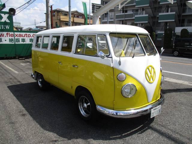 1964年モデルのタイプⅡ13ウィンドー♪イエロー×ホワイトのとってもお洒落なワーゲンバス♪1600cc&ツインキャブで機関は絶好調そのもの