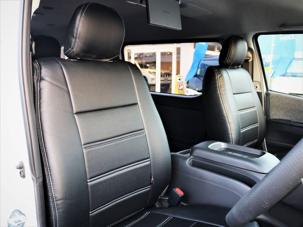 運転席シート、黒革調シートカバー付き!