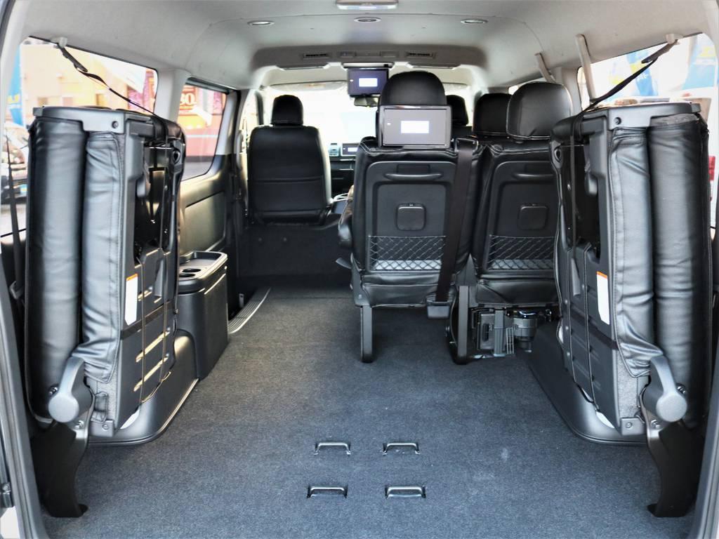 4列目を跳ね上げれば収納広々御座います! | トヨタ ハイエース 2.7 GL ロング ミドルルーフ 4WD ライトカスタム 新型