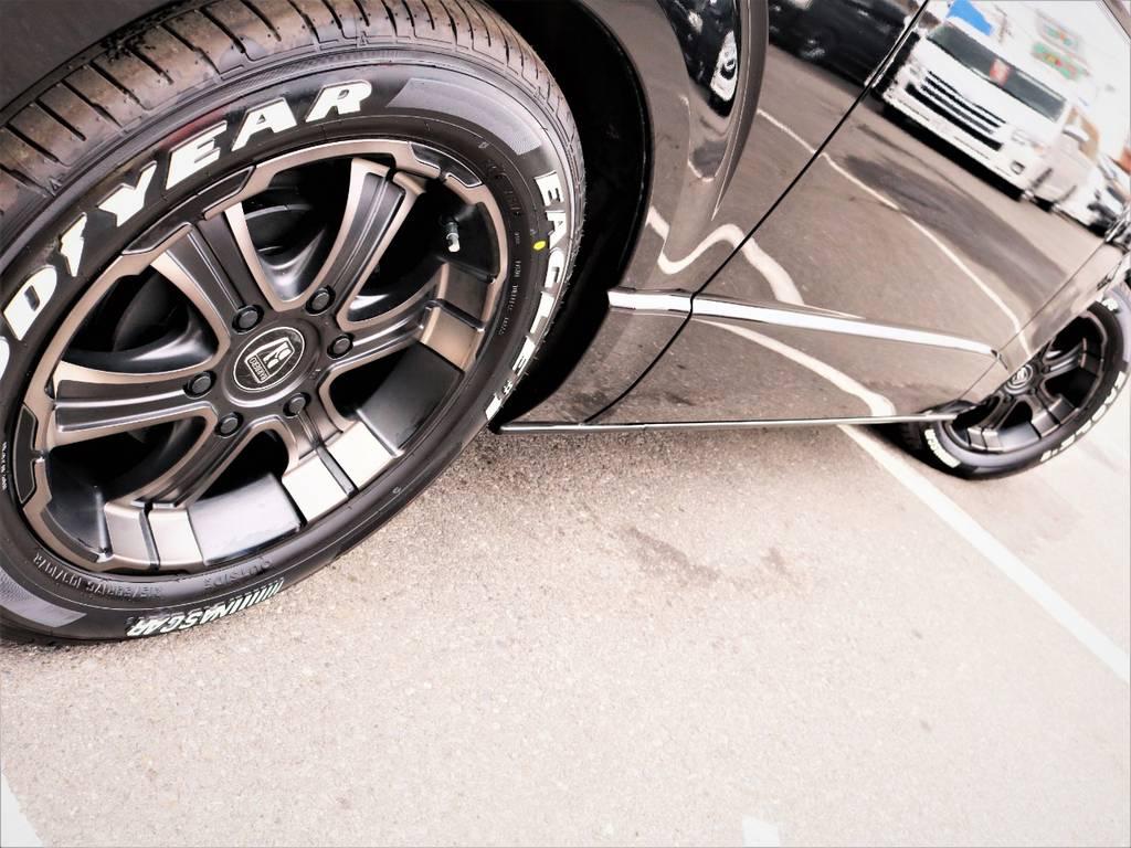 足元バッチリ決まっております! | トヨタ レジアスエース 3.0 スーパーGL ワイド ミドルルーフ ロングボディ ディーゼルターボ