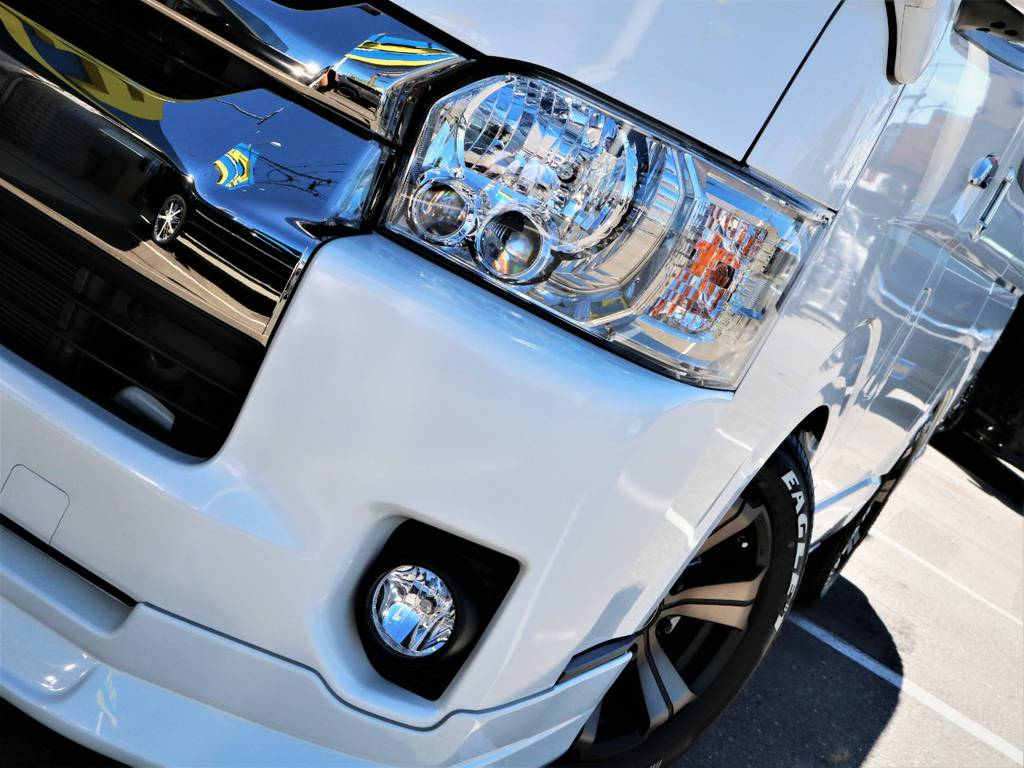 夜間走行に便利なメーカーオプション「LEDヘッドライト」! | トヨタ ハイエースバン 2.8 スーパーGL ワイド ロング ミドルルーフ ディーゼルターボ 特別仕様車ダークプライム 新型