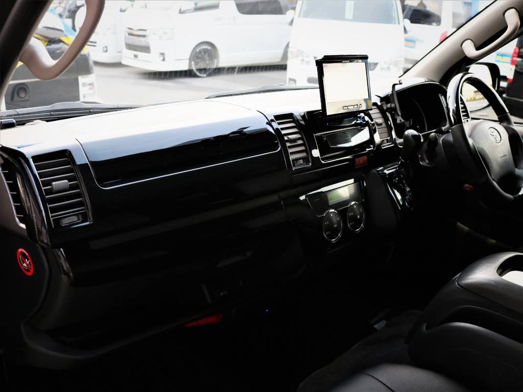 高級感溢れる室内、助手席エアバック、AC100V電源! | トヨタ レジアスエース 2.0 スーパーGL ロングボディ 特別仕様車プライムセレクション