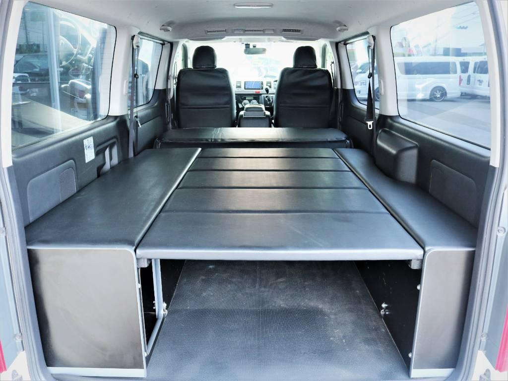 セカンドシートを倒せば就寝スペース広々御座います!   トヨタ ハイエースバン 3.0 スーパーGL ロング ディーゼルターボ 4WD ベッドキット