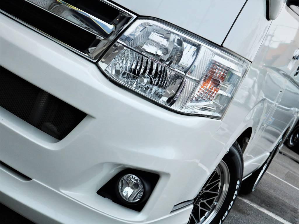 夜間走行に便利なメーカーオプション「HIDヘッドライト」!   トヨタ ハイエースバン 3.0 スーパーGL ロング ディーゼルターボ 4WD ベッドキット
