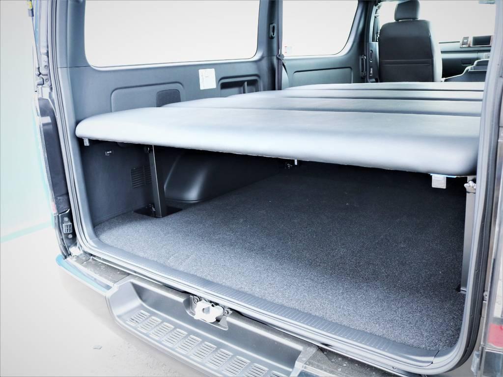 ベッドキット下には収納スペースが御座います!