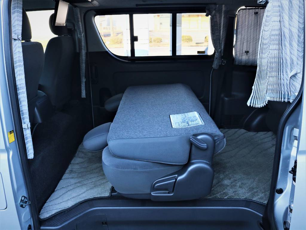 セカンドシート、サードシートは折りたたみ可能です! | トヨタ ハイエースバン 2.0 スーパーGL ロング エースキット 5ナンバー 8人乗り