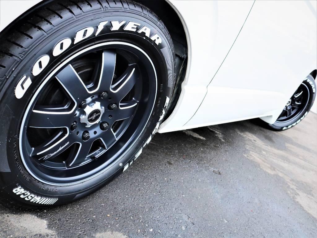 足元バッチリ決まっております! | トヨタ ハイエース 2.7 GL ロング ミドルルーフ ファインテックツアラー