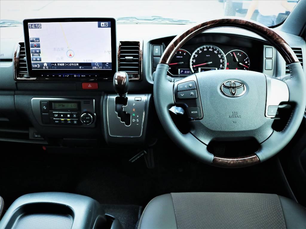 専用装備満載の一台です! | トヨタ ハイエースバン 2.8 スーパーGL 50TH アニバーサリー リミテッド ロングボディ ディーゼルターボ ベッドキット