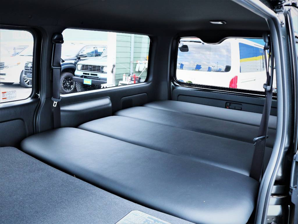 就寝スペース広々御座います! | トヨタ ハイエースバン 2.8 スーパーGL 50TH アニバーサリー リミテッド ロングボディ ディーゼルターボ ベッドキット
