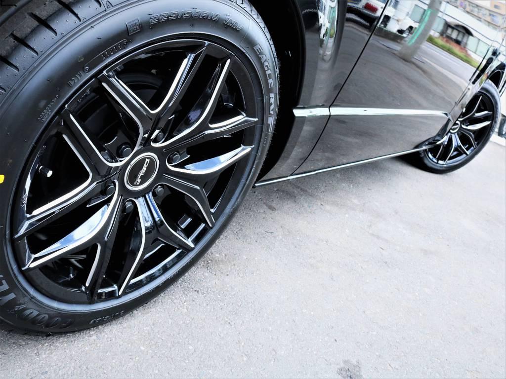 足元バッチリ決まっております! | トヨタ ハイエースバン 2.8 スーパーGL 50TH アニバーサリー リミテッド ロングボディ ディーゼルターボ ベッドキット