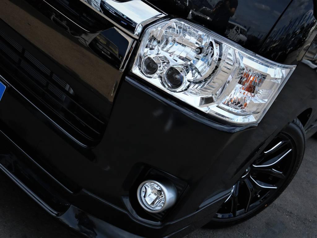夜間走行に便利なメーカーオプション「LEDヘッドライト」! | トヨタ ハイエースバン 2.8 スーパーGL 50TH アニバーサリー リミテッド ロングボディ ディーゼルターボ ベッドキット