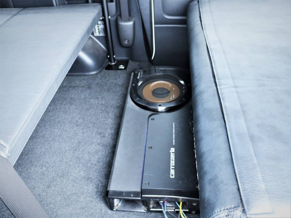 カロッツェリア製サブウーファー! | トヨタ ハイエースバン 3.0 スーパーGL ロング ディーゼルターボ 4WD 買取直販