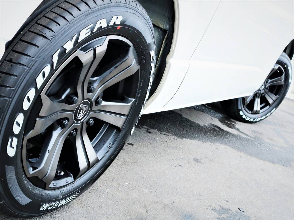 足元バッチリ決まっております! | トヨタ ハイエースバン 3.0 スーパーGL ロング ディーゼルターボ 4WD 買取直販