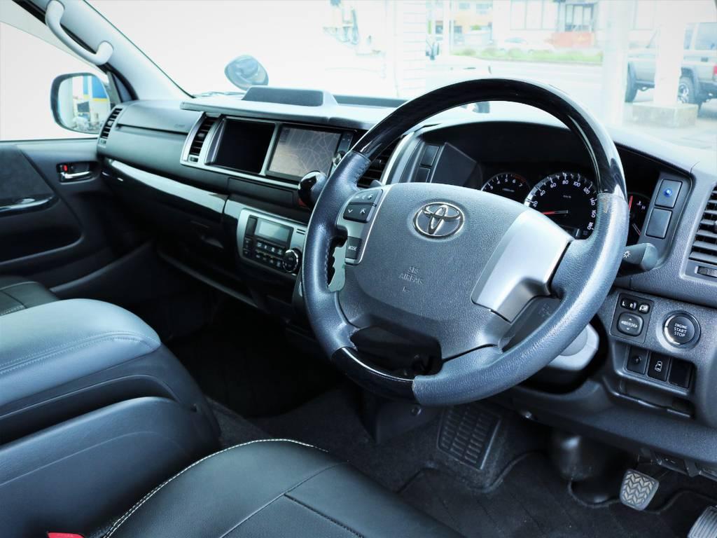 運転席周り!メーカーオプション「プッシュスタート、パワースライドドア、ステアリングスイッチ」! | トヨタ ハイエース 2.7 GL ロング ミドルルーフ 内装アレンジ