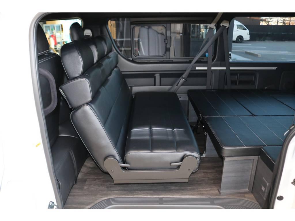 対面シートにも展開可能♪ | トヨタ ハイエース 2.7 GL ロング ミドルルーフ TSS付Ver2テーブル付 試乗車